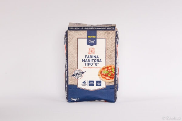 Italská pšeničná hladká mouka, extra silná Manitoba, typ 0, na přípravu těsta s dlouhou fermentací W>350.