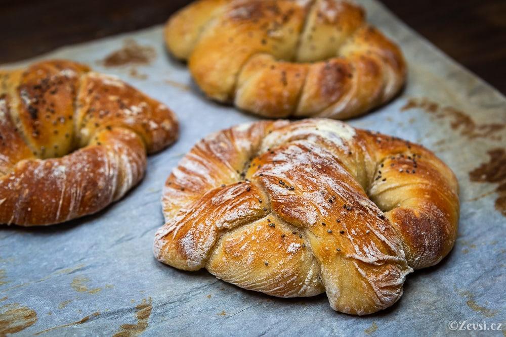 Preclíky na francouzský způsob ze světlé pšeničné mouky.