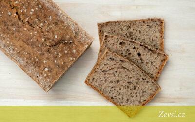 Upečtesi jednoduchý celozrnný špaldový chléb – recept