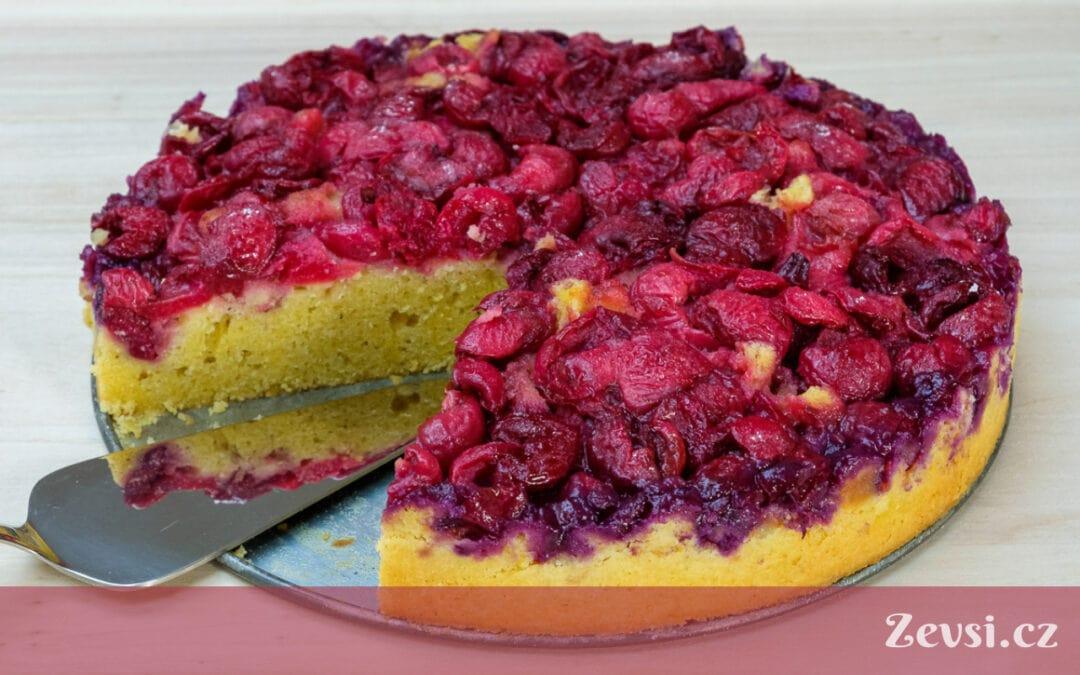 Recept odbabiček: Třešňový koláč zroku 1940