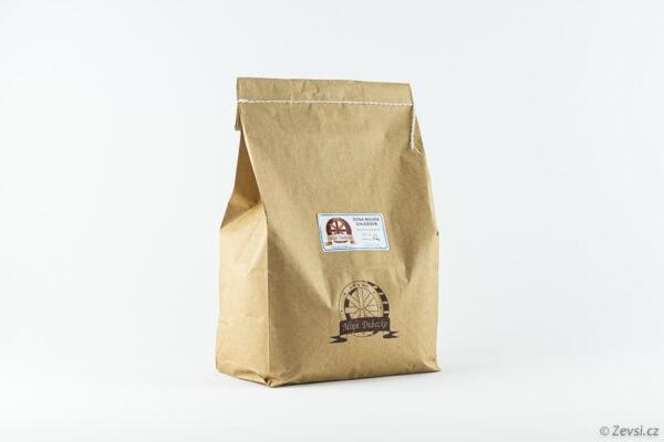 Žitná chlebová mouka z českého mlýna, na pečení kváskového domácího chleba Šumava a tmavého žitného pečiva.