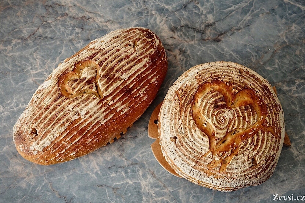 Klasický český chléb Šumava.