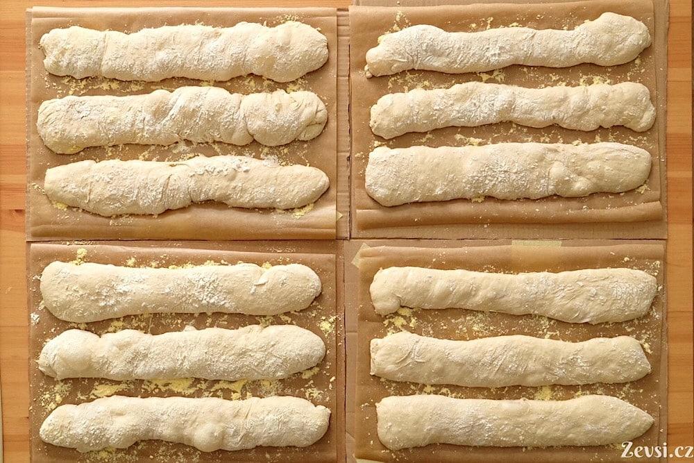 Příprava na 12 francouzských chlebů, baget.