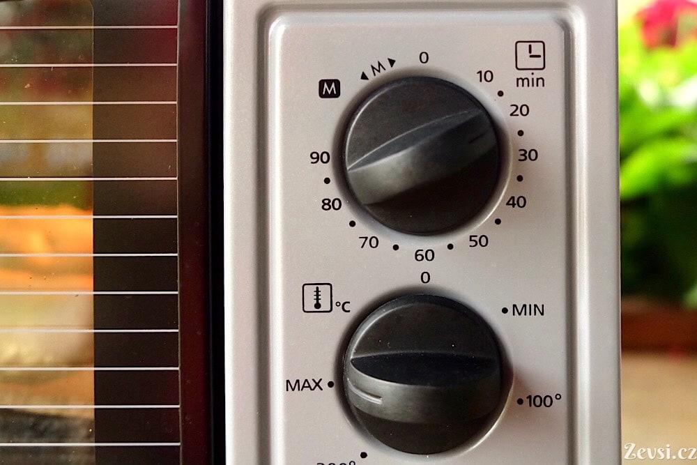Francouzské bagety pečte na 250 °C.